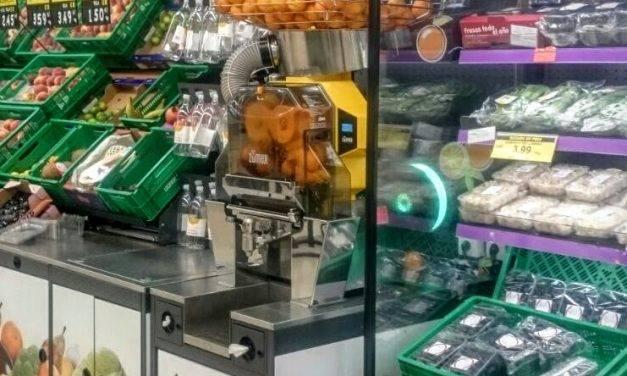 Zumo recién exprimido listo para tomar en los supermercados de Mercadona