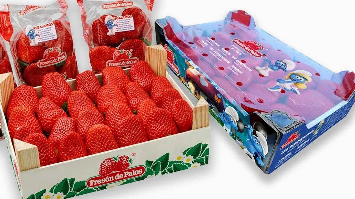 Los 'pitufos' promueven las fresas de Huelva