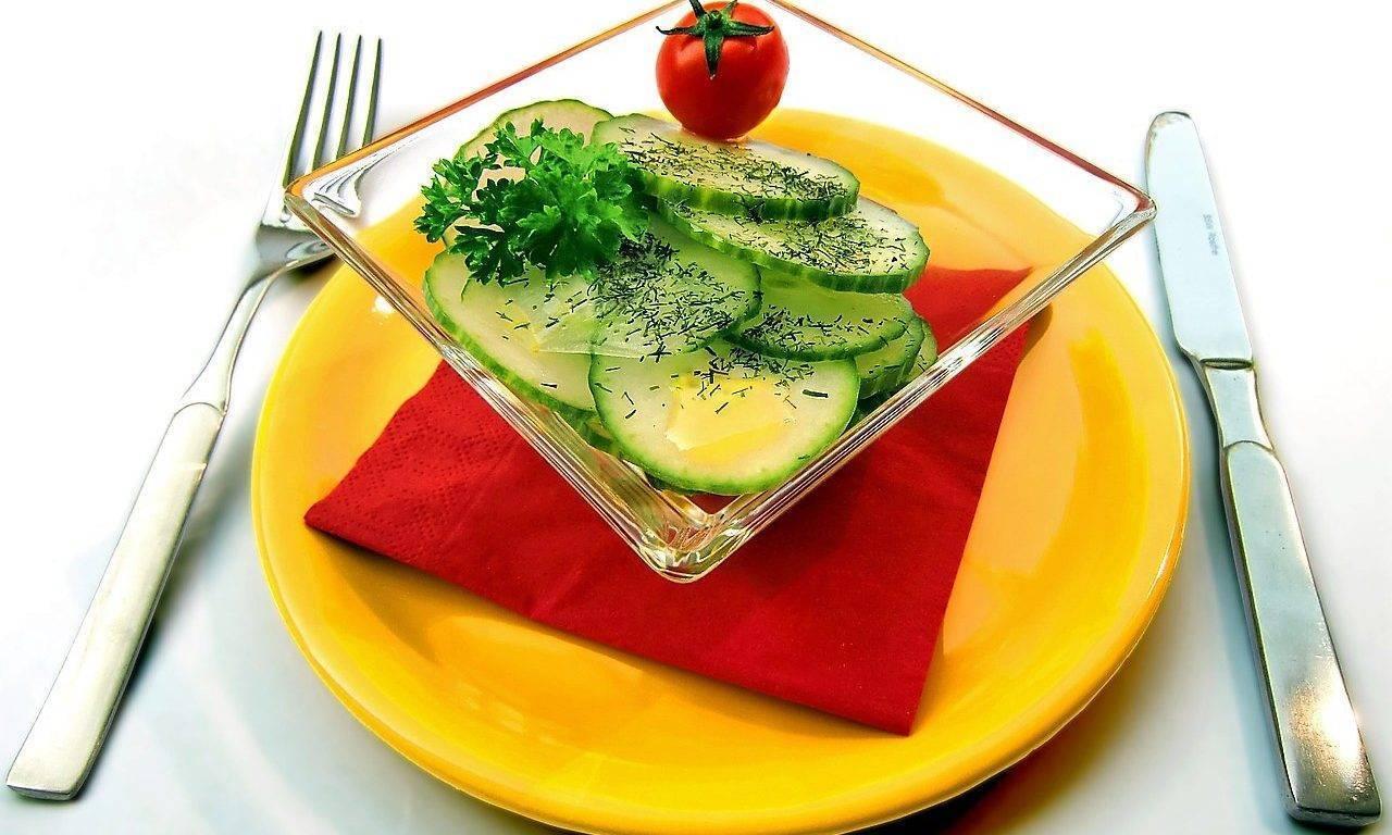 Se vive más años con abundantes raciones de frutas y verduras en las comidas