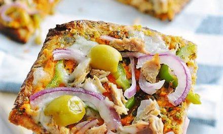 Está de moda hacer una pizza con migas de coliflor