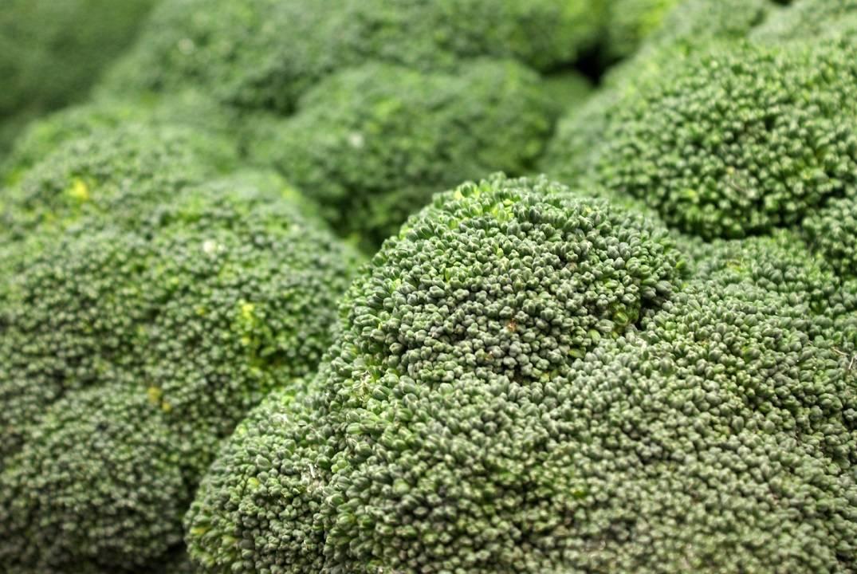 Para cuidar la piel en verano, más brócoli