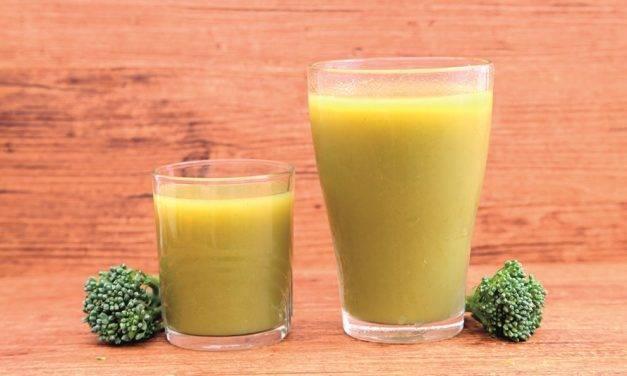 Los 'smoothies' mantienen los mismos nutrientes de las frutas y verduras en crudo cuando se consumen recién preparados