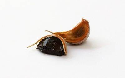 Diez recetas fáciles con ajo negro, un sabor balsámico y que no delata (foto gastronosfera)