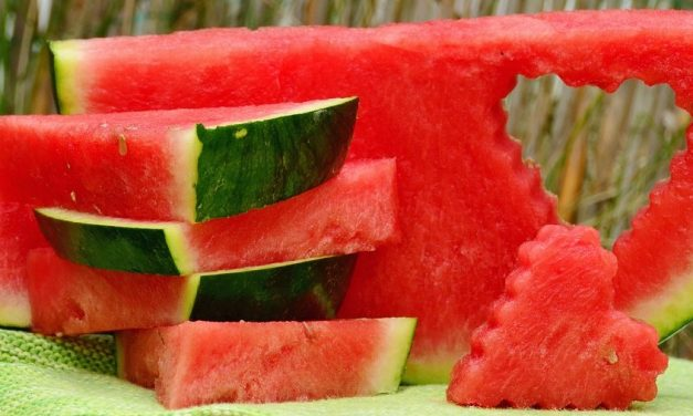 Watermelon – Health Benefits & Risks