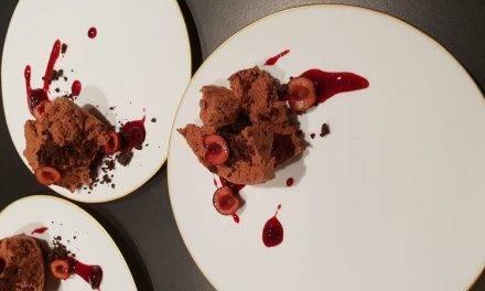 Los hermanos Torres crean dos postres con cereza y picota del Jerte para su nuevo restaurante 'Dos Cielos' de Barcelona