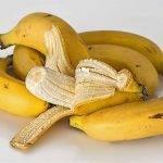 Plátanos y agua para reducir la inflamación