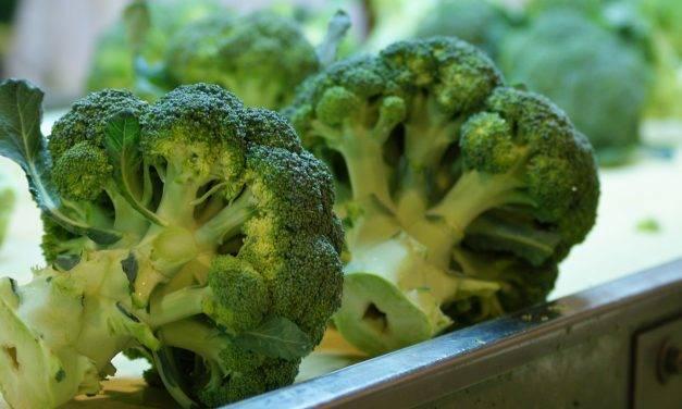 Conviene aprovechar el tronco del brócoli