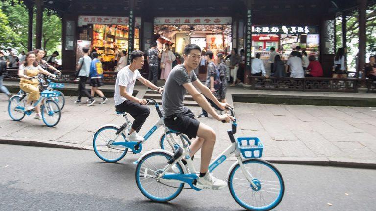 La bicicleta vuelve por sus fueros en China con el propósito de combatir la contaminación