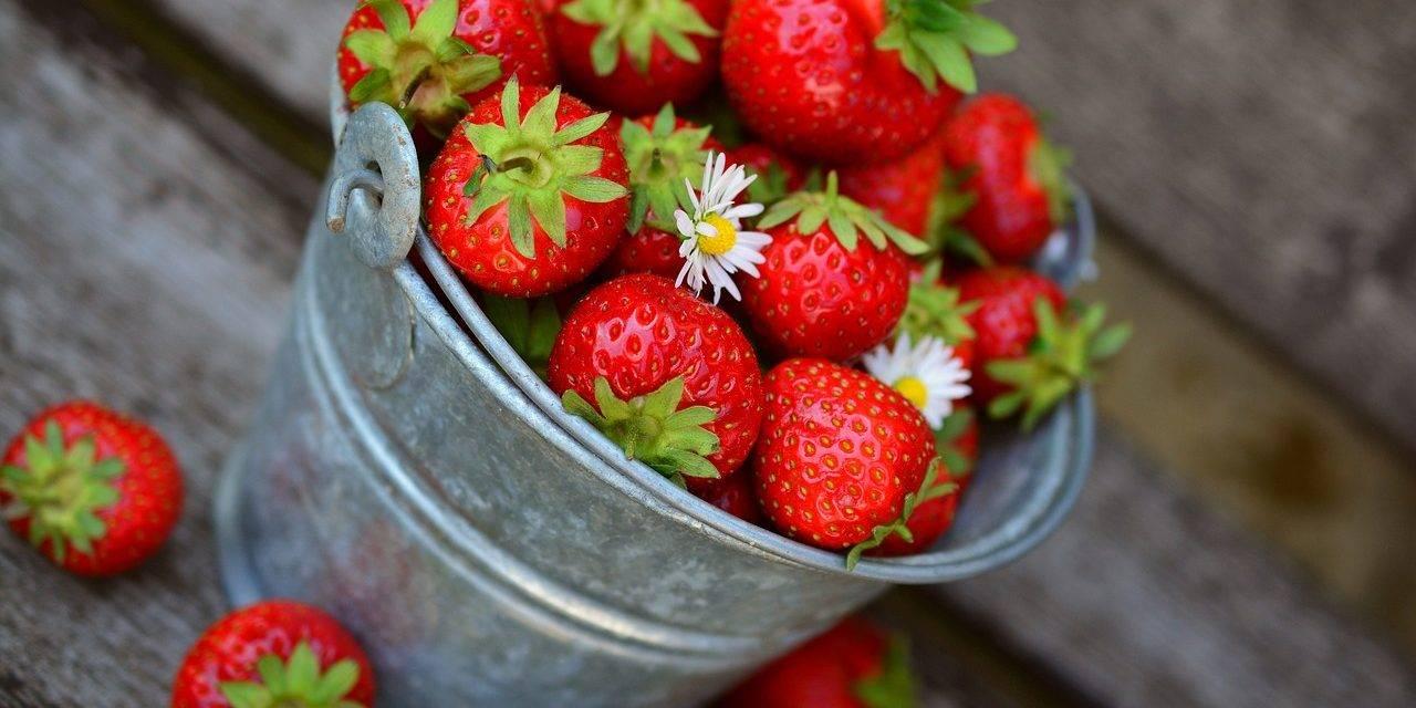 Receta con fresas para afrontar el confinamiento
