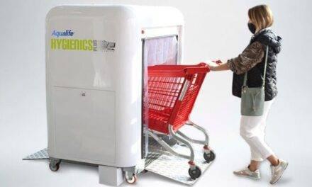 Un dispositivo que garantiza la higiene en los carros de supermercado