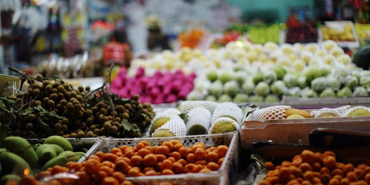 Porqué las tiendas quieren vender las frutas y verduras a precios siempre bajos