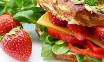 Los españoles creen que tienen una dieta saludable pero sus hábitos cambian poco