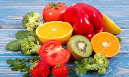 Descubra los alimentos más ricos en vitamina C y la importancia de ingerirlos diariamente